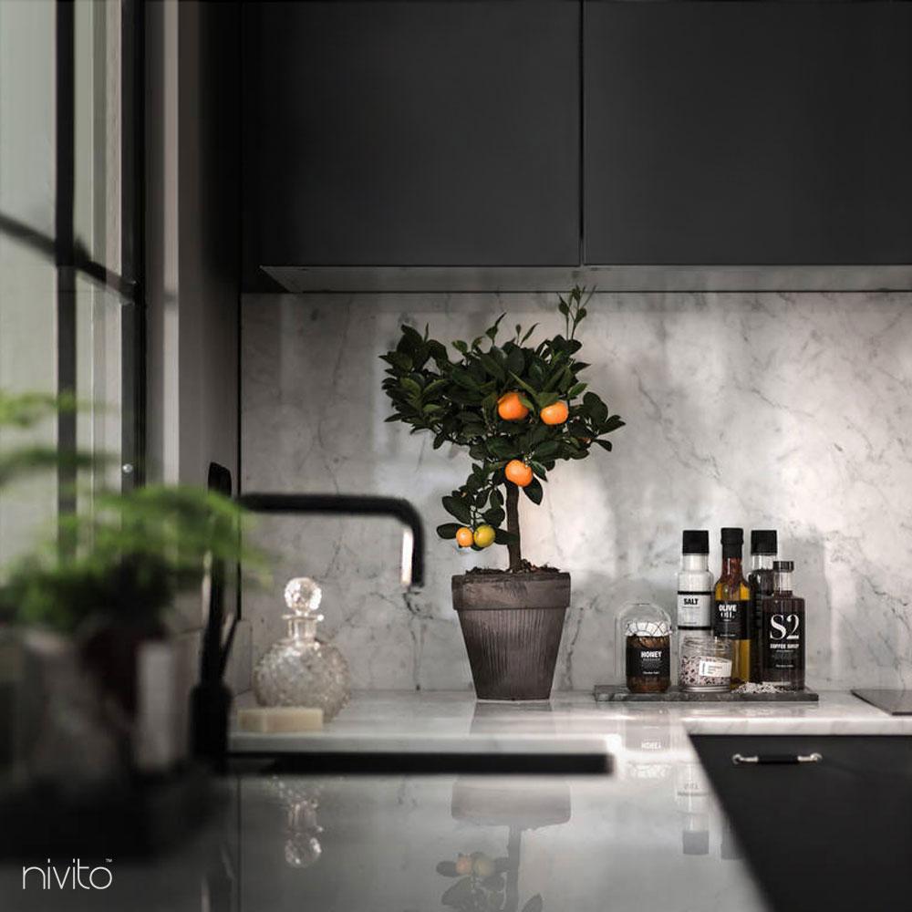 Cierne kuchyna voda vodovodný kohutik